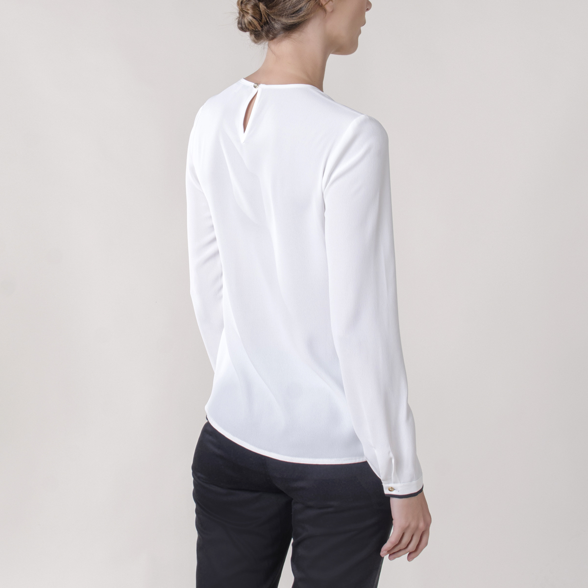 Blusa Manga Larga con Piping