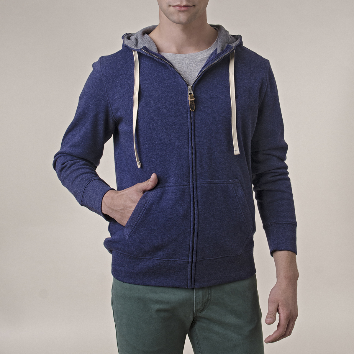 Poleron Liso Fleece Canguro Light Weight